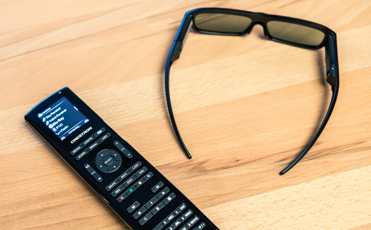 3D googles and remote control